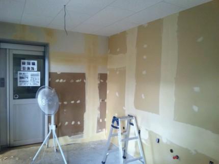 更衣室の塗装